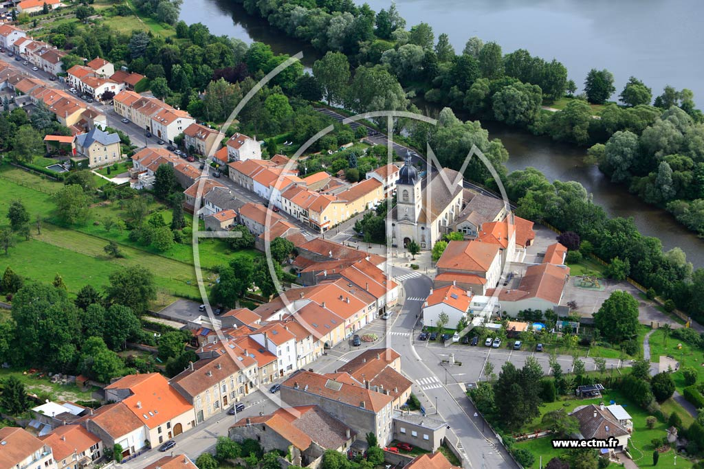 Flavigny sur moselle 54 photos a riennes for Code postal moselle